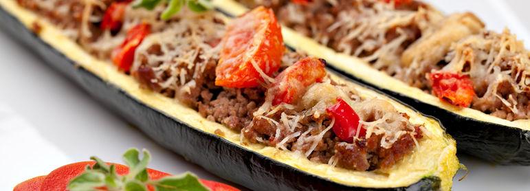 Courgettes farcies id e recette facile mysaveur - Courgette farcie thermomix ...