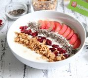 Smoothie bowl vitaminé à la pêche