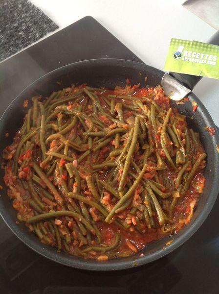 Haricots verts à la tomate et poivron