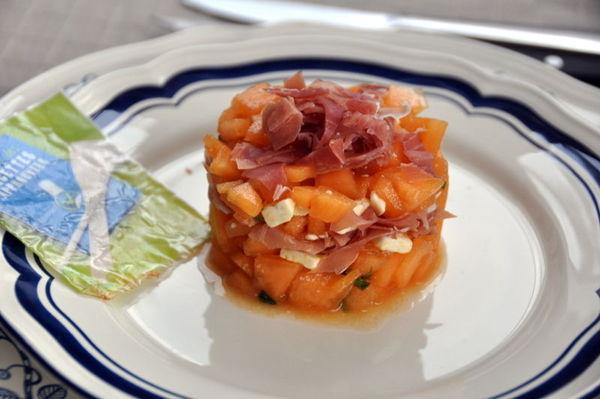 Tartare de melon feta et son jambon cru christine l - Melon jambon cru presentation ...