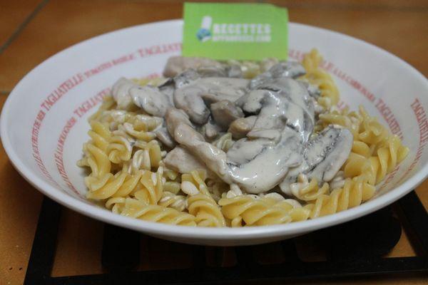 pâtes aux champignons de paris frais à la crème fraiche