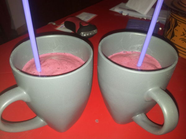 Smoothie glac aux fruits rouges gwladys m - Smoothie aux fruits ...