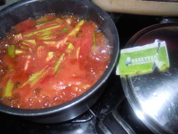 soupe pomme de terre poireaux et tomates aurelie k. Black Bedroom Furniture Sets. Home Design Ideas