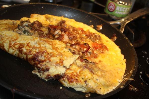 omelette l 39 escab che sardines et thon. Black Bedroom Furniture Sets. Home Design Ideas