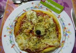 Pizza 3 fromages et chorizo - Sandrine H.